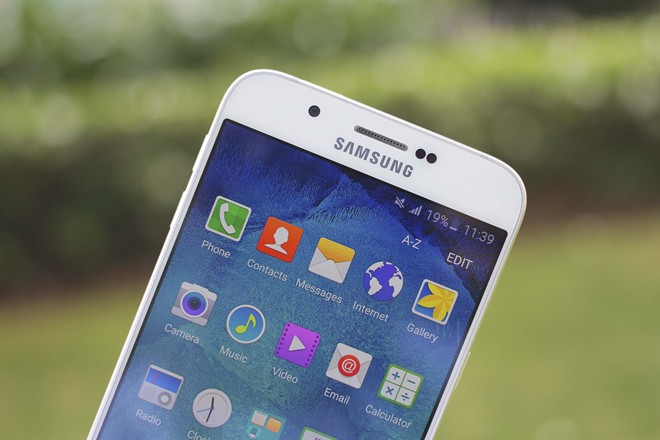 Samsung_Galaxy_A8_screen